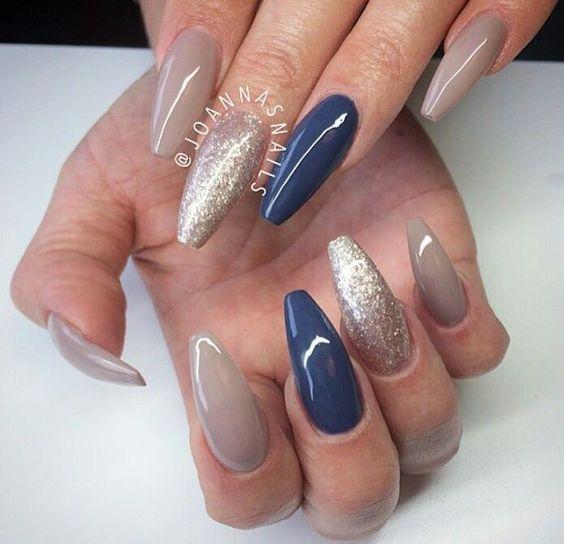 nail-ideas-glitter-season_theafricanista-1