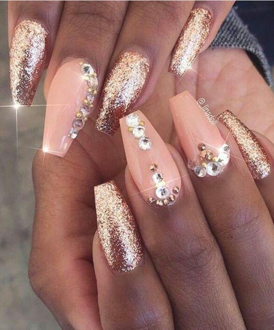 nail-ideas-glitter-season_theafricanista-13