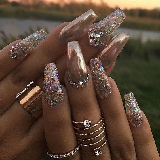 nail-ideas-glitter-season_theafricanista-9